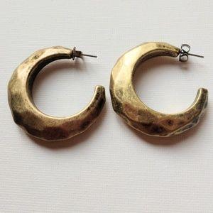 ⭐3/$20 Avon Gold Faceted Hoop Earrings